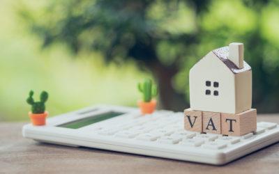 ¿Qué condiciones determinan que los arrendamientos de inmuebles se encuentren sujetos o exentos de IVA?